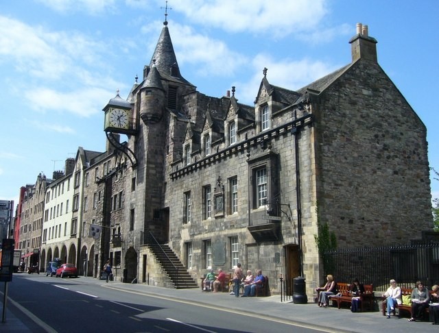 museos en Edimburgo people story