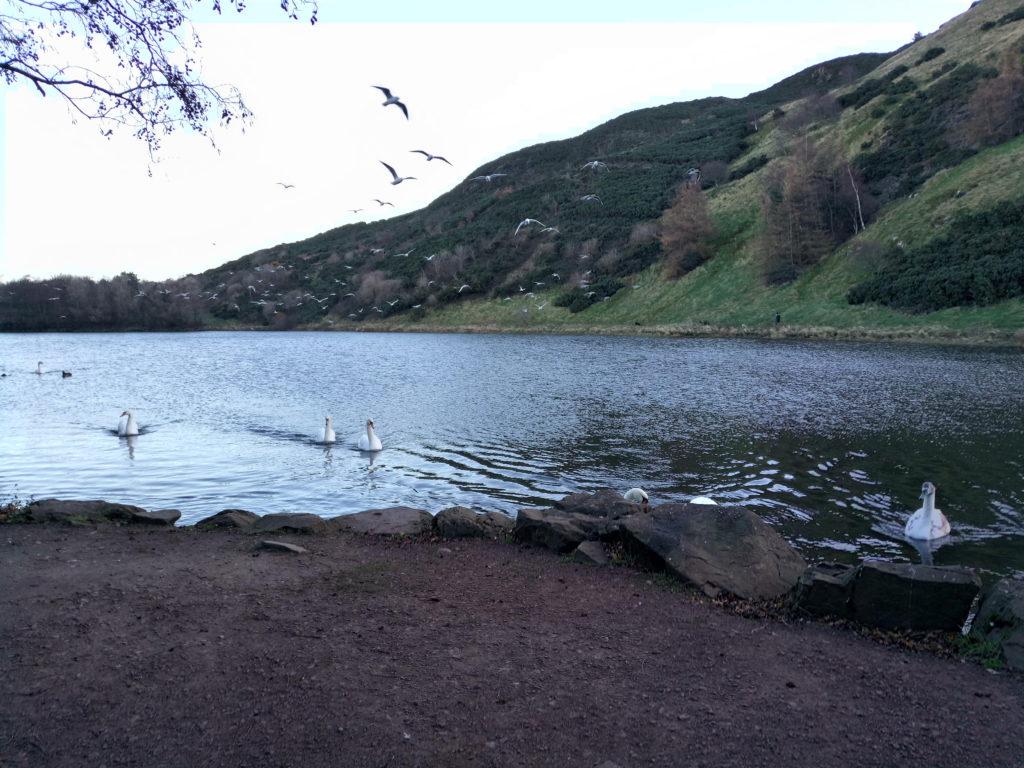 St Margareth Loch vicino Arthur's seat