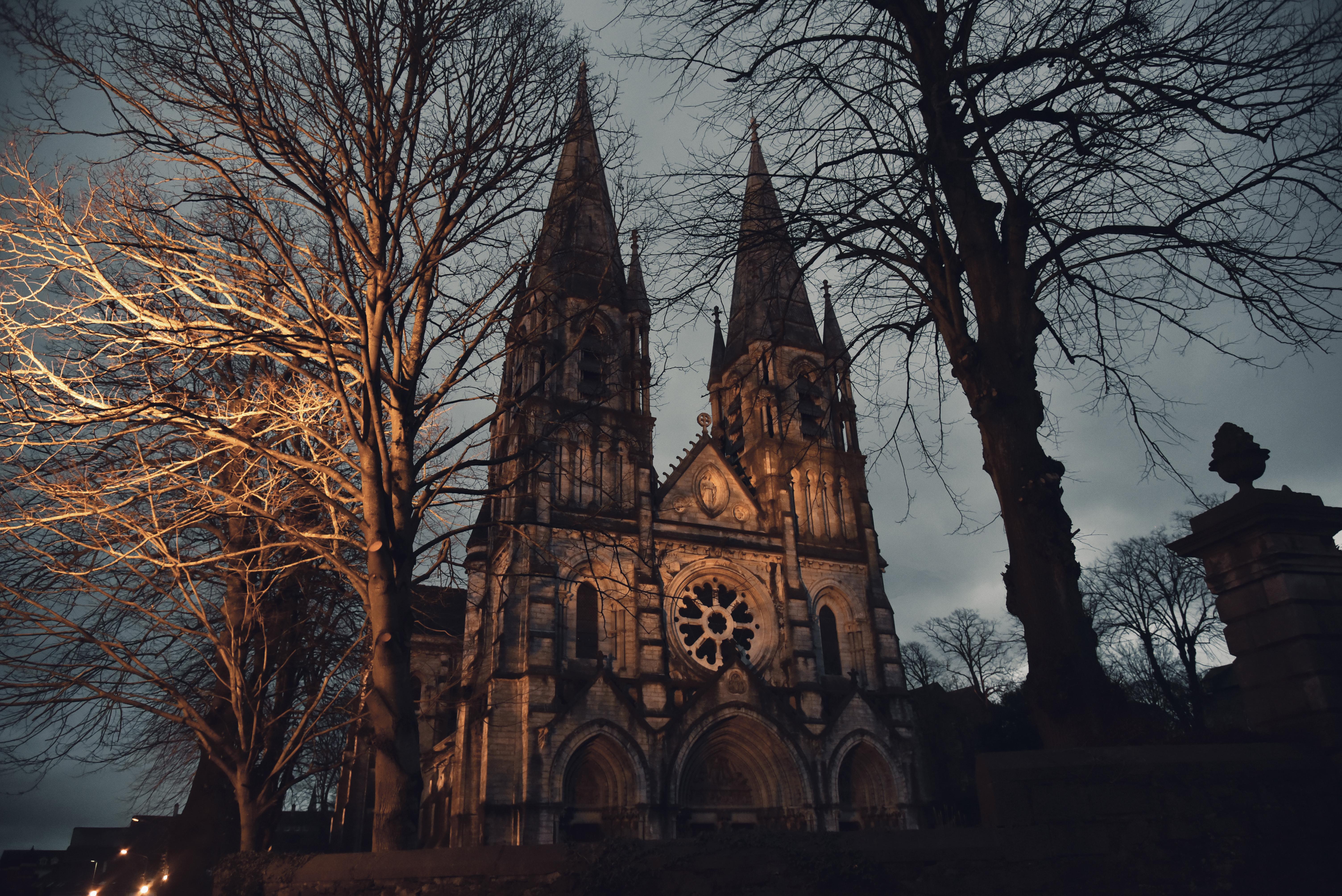 cathédrale fondée par Saint Finbarr